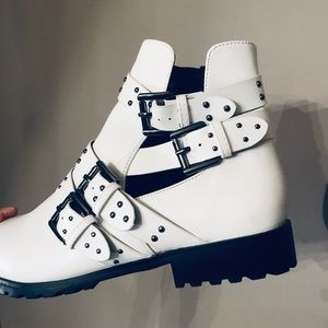 Shoes - SOLD. NEW Studded White Boots
